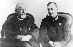 К.Э. Циолковский и М.К. Тихонравов. 17 февраля 1934 г.