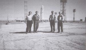 Специалисты КБ «Арматура» на космодроме «Байконур» 1980-е гг.